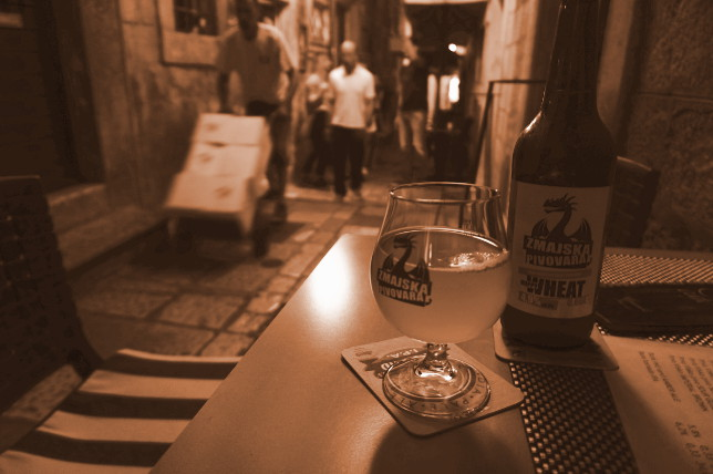 craftbeer in oldtown Dubrovnik
